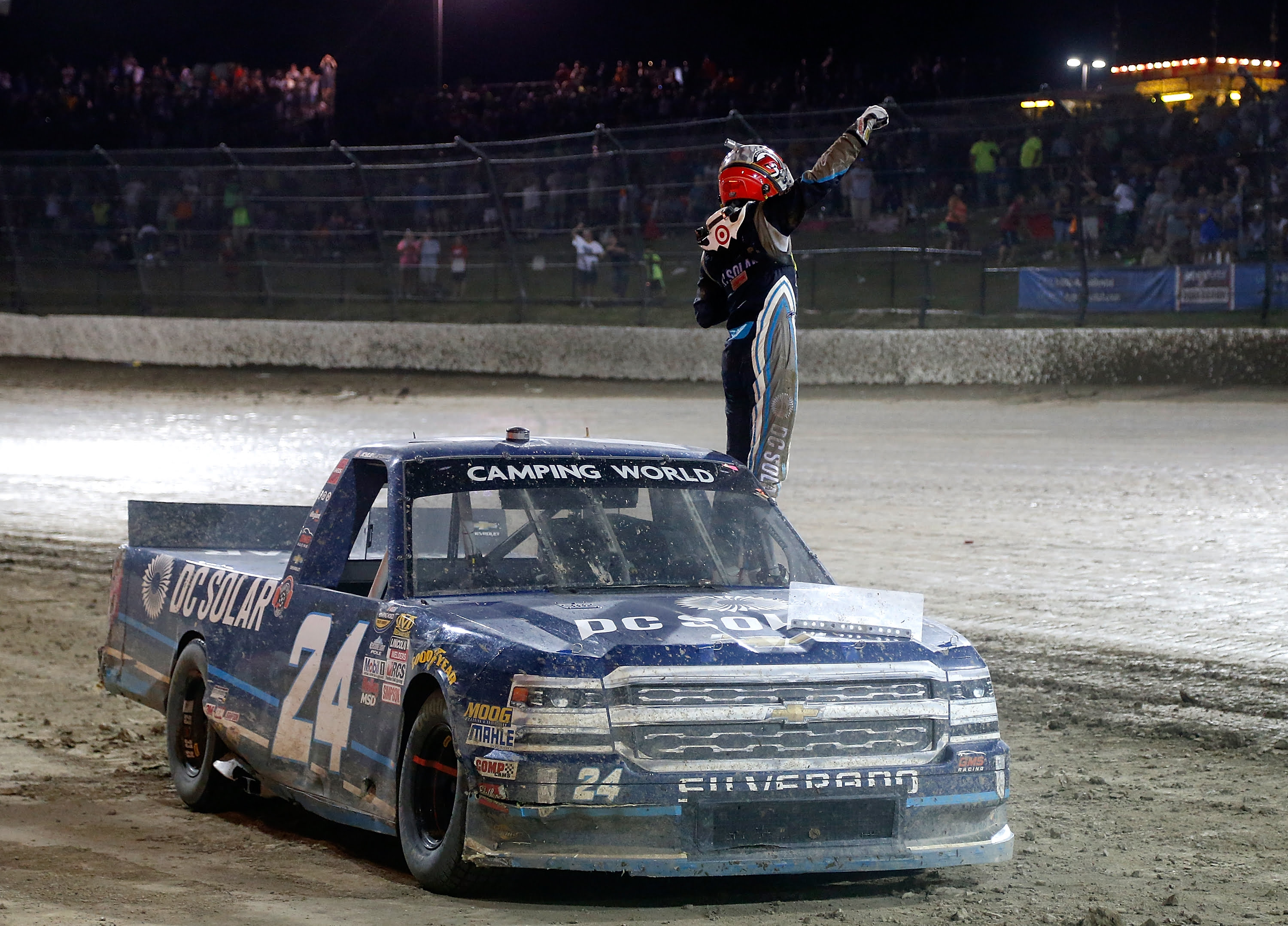 Kyle Larson charges through field to capture Eldora win