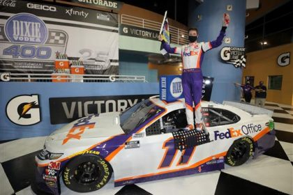 Hamlin Surges in Lightning Delayed Homestead Race